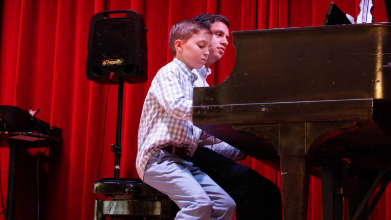 Tampa Piano Lessons Teach How-to Improve Posture and More!